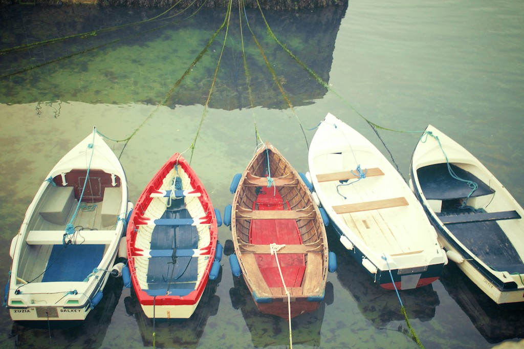 small-boats-of-colour